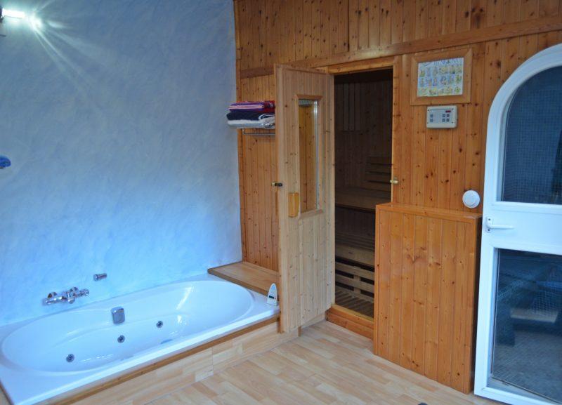 Spa con jacuzzi ba o turco y sauna casa zabaletxe - Bano turco en casa ...