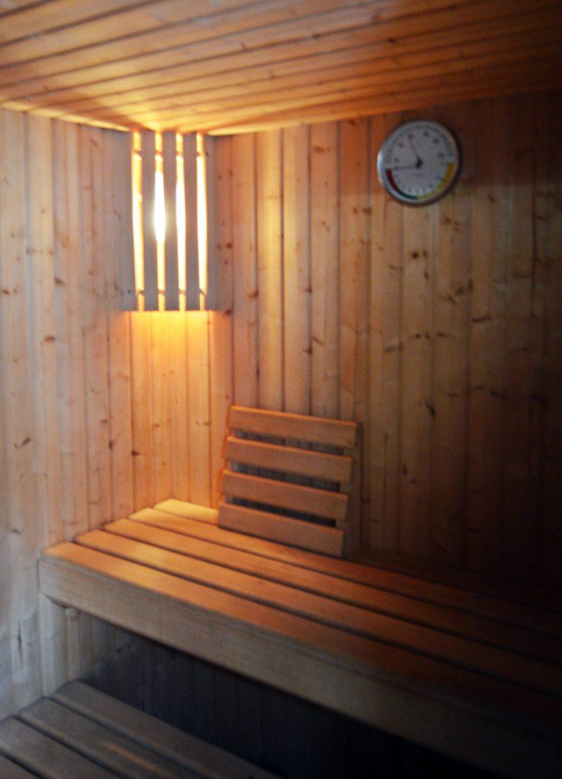 Spa con jacuzzi ba o turco y sauna casa zabaletxe - Sauna finlandesa o bano turco ...