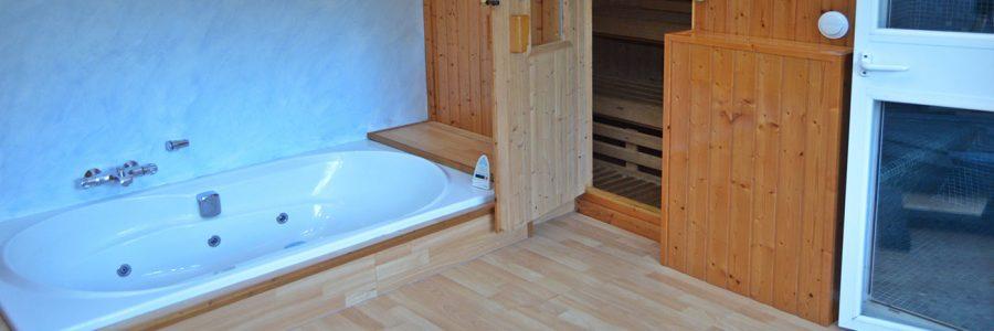 SPA con jacuzzi, baño turco y sauna